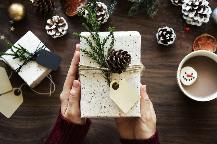 Что не стоит дарить на Новый год: неуместные, бесполезные и приносящие неудачи подарки