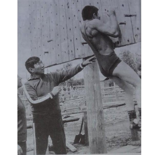 Стенка Коркина - секрет успеха якутских борцов