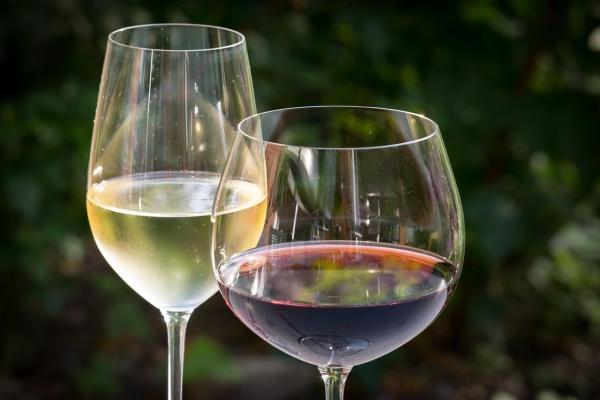 Во что налить: гид по бокалам для алкоголя