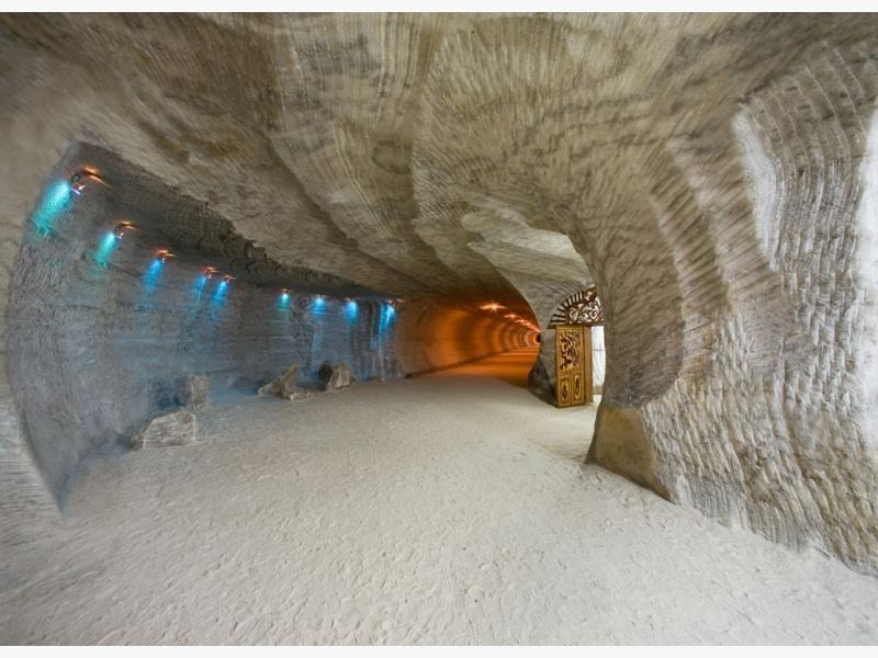 Соледар - соляные пещеры