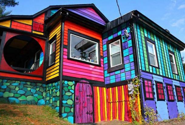 Радужные позитивные домики со всех концов света