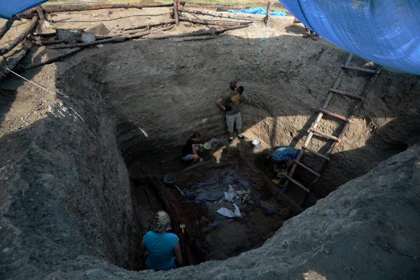 Греция откроет загадку гробн…