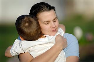"""""""Я тебя очень люблю, но меня никто не учил быть мамой, а ты пришел ко мне и теперь помогаешь мне стать мамой"""""""