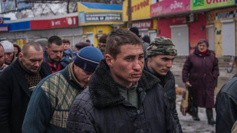 «Герой АТО» пожаловался на «коридор позора» в Донецке: На улицах бабушки били клюшками