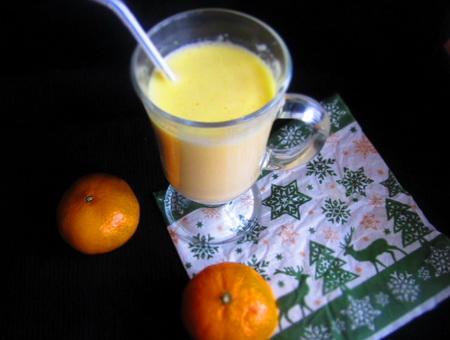 фото к рецепту молочно-мандаринового коктейля