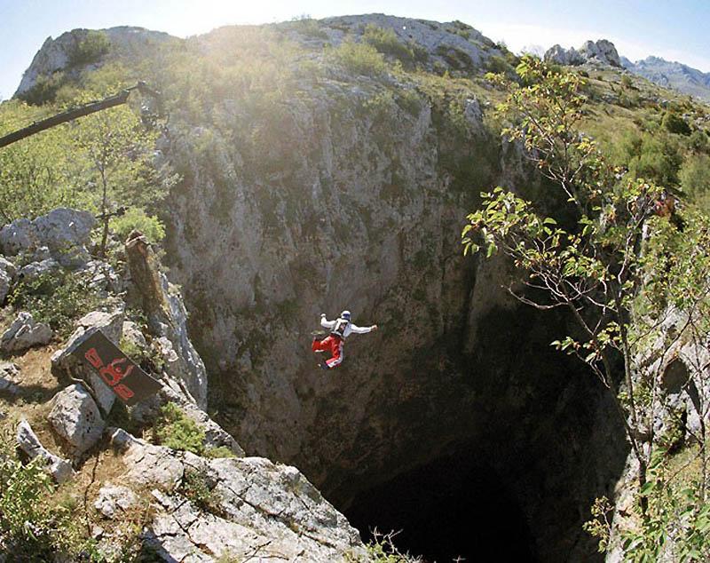 1092 Феликс Баумгартнер готовится к прыжку из космоса