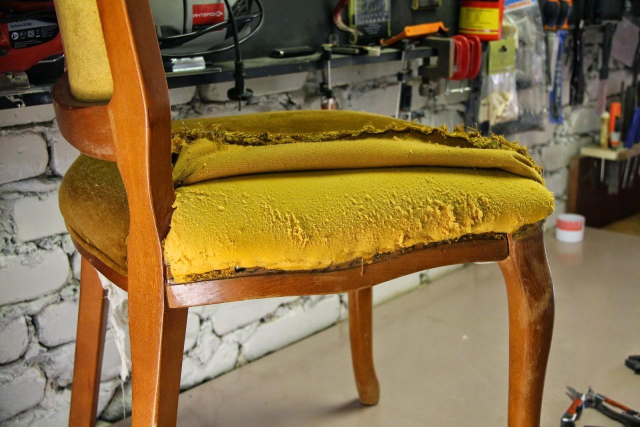 Как сменить обшивку на стуле своими руками