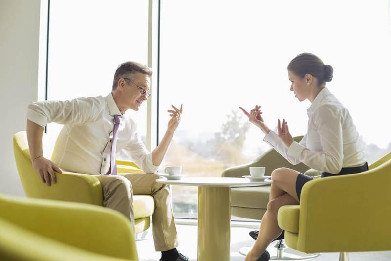 Как правильно реагировать на критику в рабочем коллективе