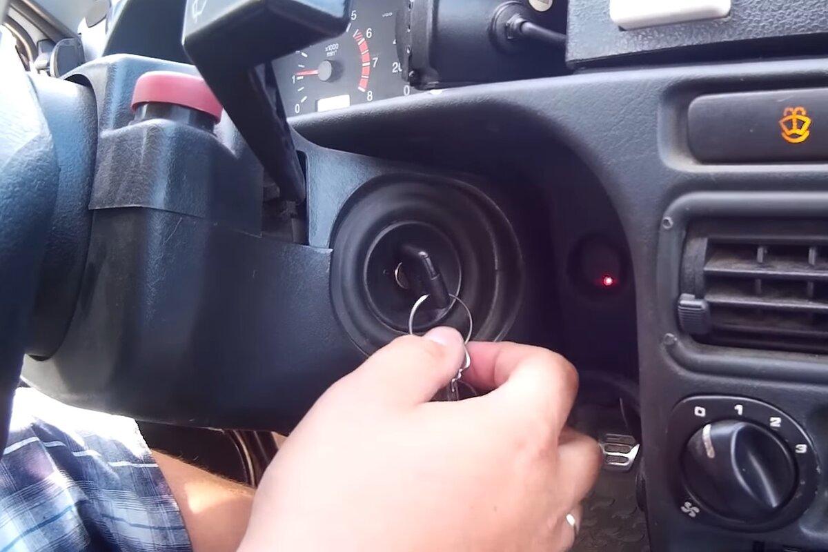Нужно ли ждать, пока накачает бензонасос, или лучше сразу запускать двигатель
