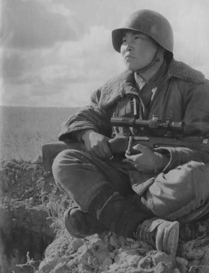 Советский снайпер, который с…