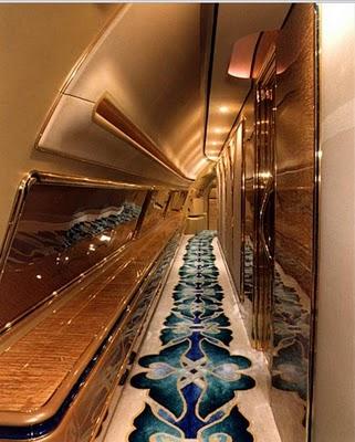 0214 Летающий дворец султана Брунея