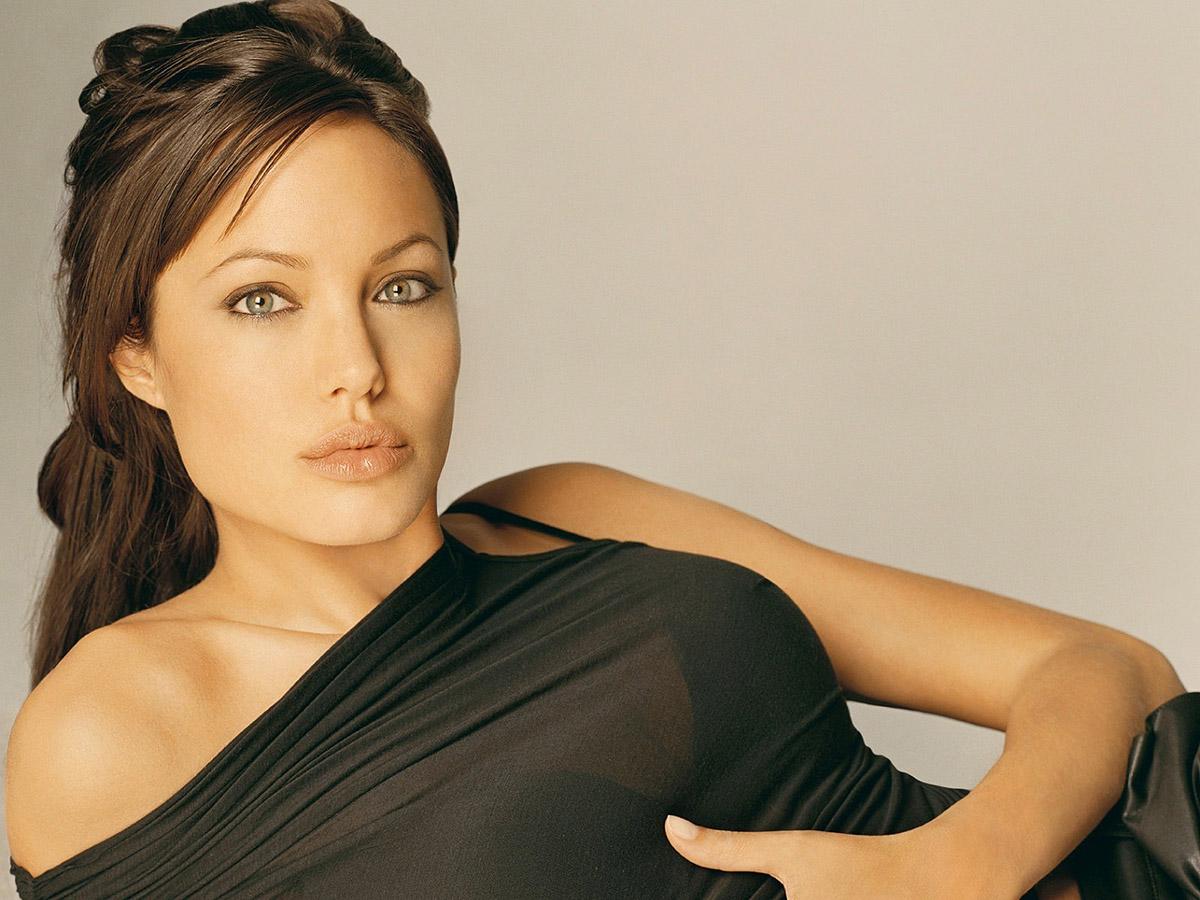 fembeaty03 20 самых красивых женщин мира по версии Google