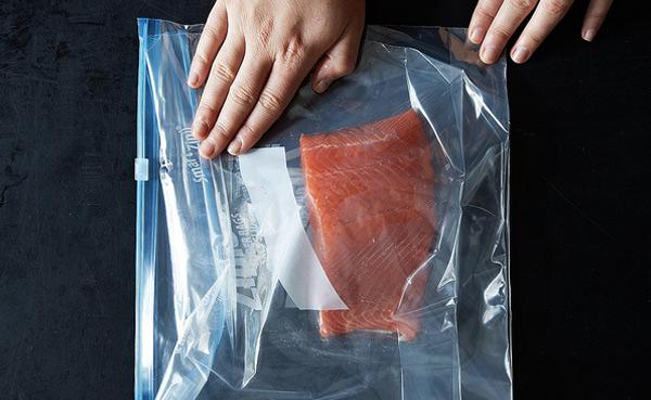 Как быстро разморозить рыбу …