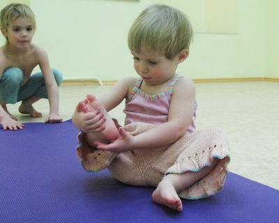 Маленький йог, или Что такое детская фитнес-йога?