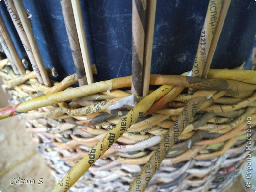 Мастер-класс Поделка изделие Плетение Корзины для овощей - Бумага газетная Трубочки бумажные фото 24