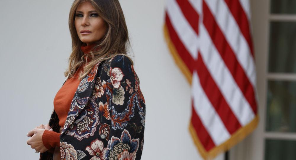 Картинки по запросу stella mccartney - fur free tapestry coat - women - cotton/acrylic/polyamide/wool - 36 - brown