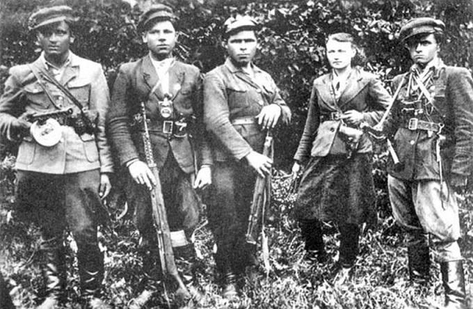 «Бандеровцы* — ветераны»: сколько их сейчас осталось на Украине