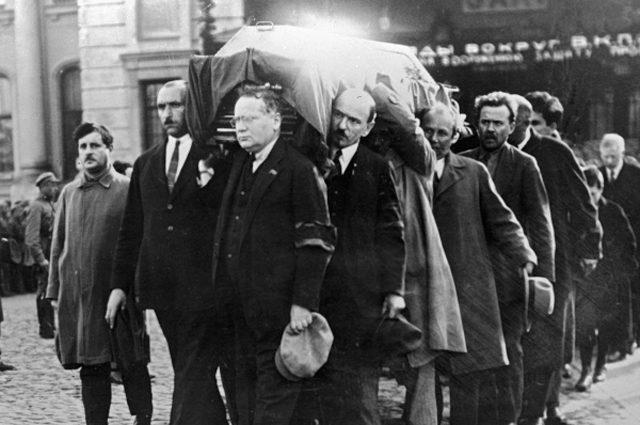 Убийство советского посла в Польше Петра Войкова