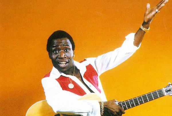 Песня «Хафанана», «Поймай, поймай путану...» и стул в зубах удивительного Африка Симоне
