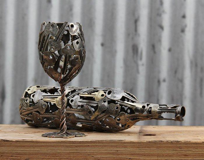 "Идея для ""рукастых"" - скульптуры из старых монет и  ключей"