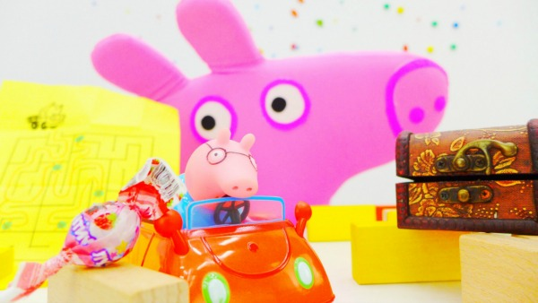 Свинка ПЕППА Pappa Pig и лабиринт КОНФЕТ. БОЛЬШАЯ голова Пеппы. Игры для детей с игрушками