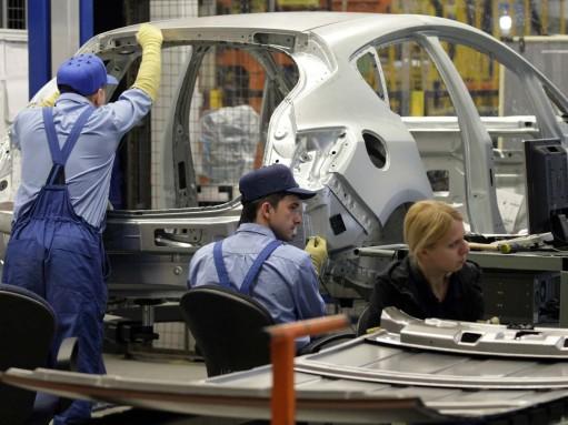 На заводе GM под Петербургом сократят четверть сотрудников