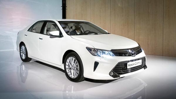 Обновлённая Toyota Camry — уже скоро + видео