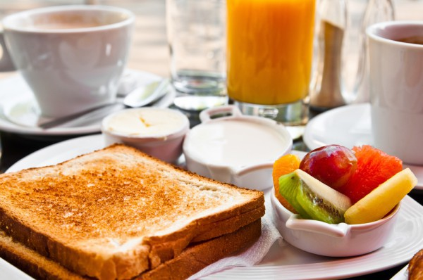 Гренки на завтрак: Три вкусные идеи