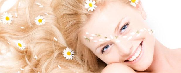 Осветление волос ромашкой — процедура для всех