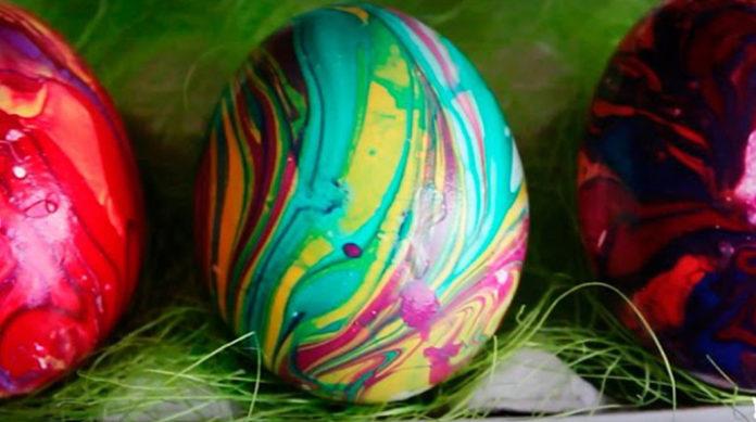 3 способа оригинально покрасить яйца в домашних условиях