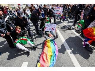 Американцы обкатали «цветные технологии» на Первомайском шествии в Петербурге