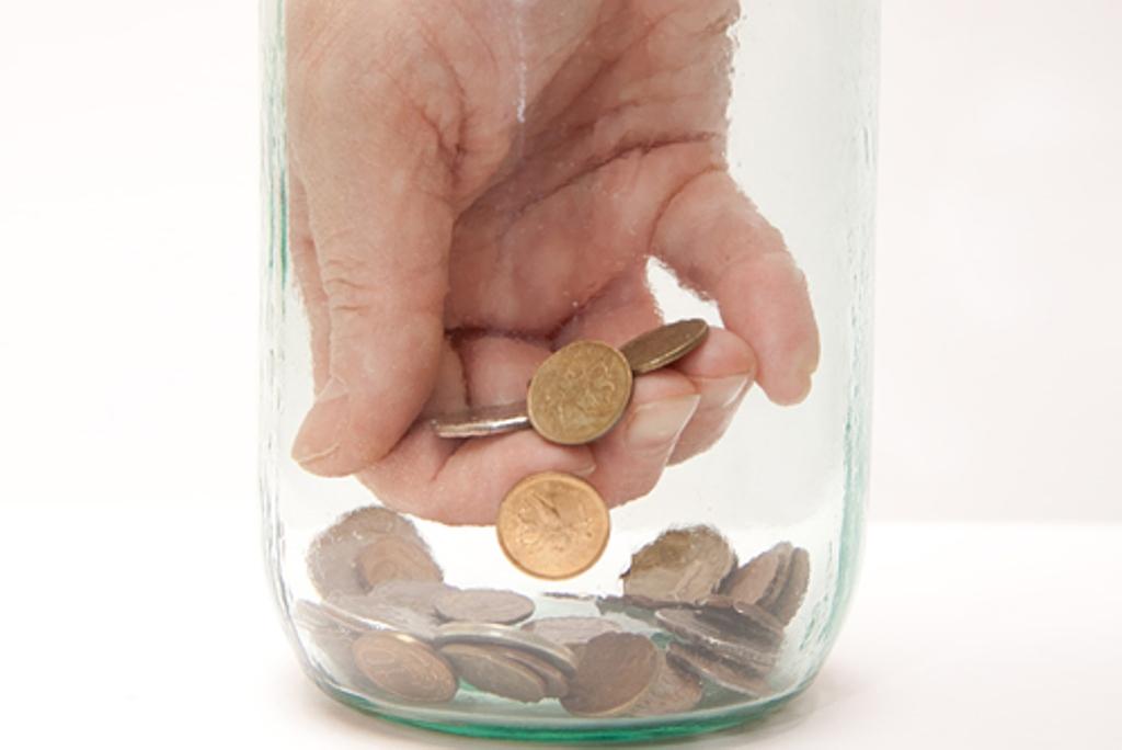 Житель Кирова выплатил Пенсионному фонду долг в 42 тыс. рублей мелочью