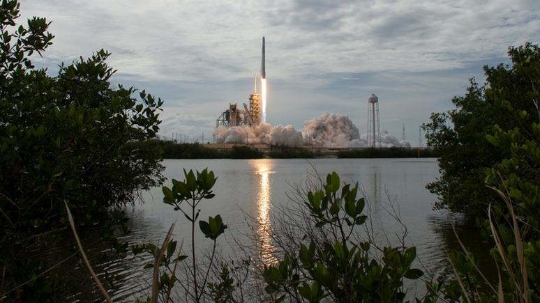 Ars Technica: конкуренты не будут сидеть сложа руки в ожидании нового российского космического корабля