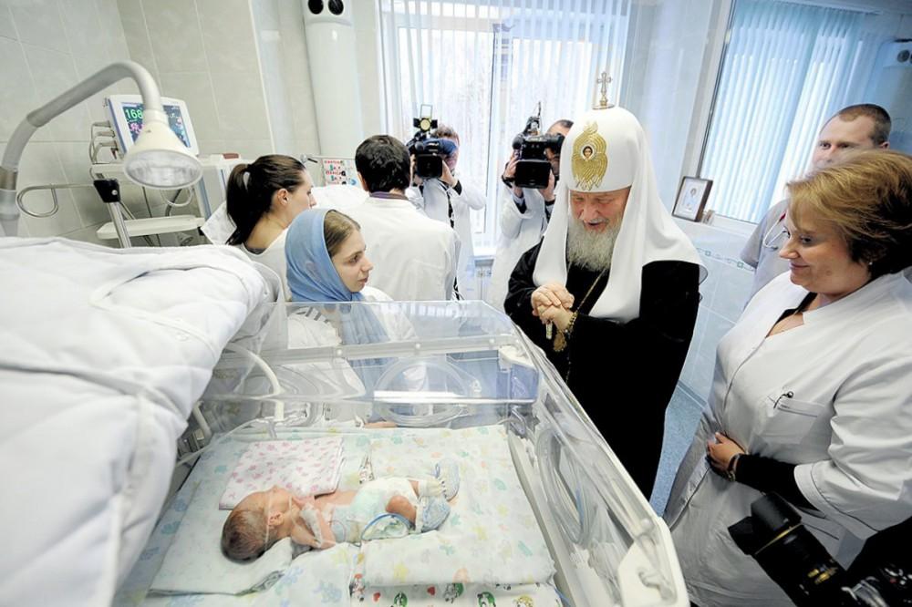 Убить или родить? Сможет ли церковь остановить аборты в России
