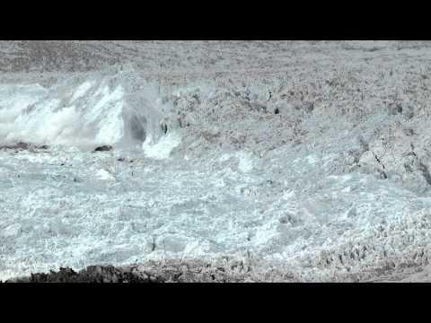 Камера, оставленная на льду, сняла потрясающие кадры!