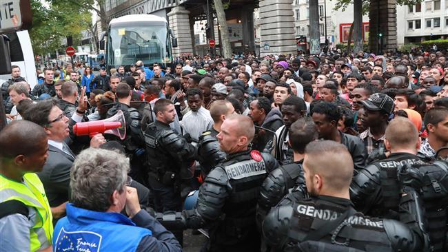 Франция: Сегодня видела толп…
