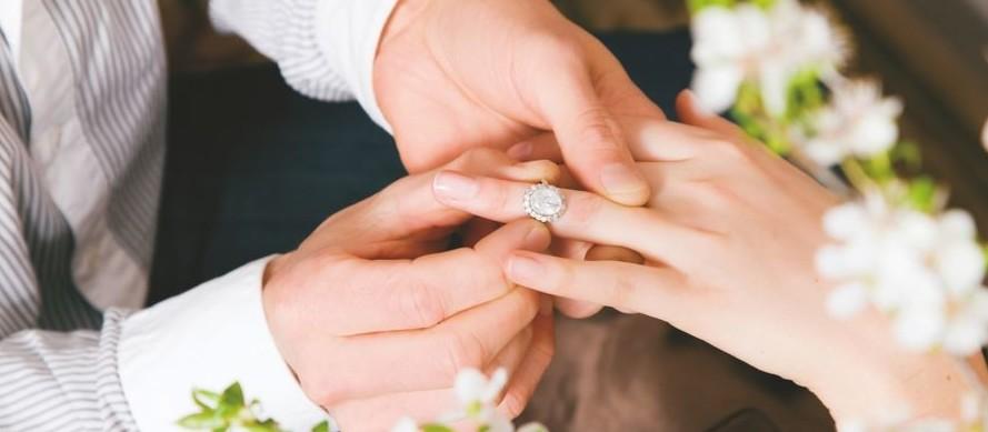 Успешная подруга завтра выходит замуж за сантехника! А впрочем, все по порядку в жизни всякое бывает, история, случайности не случайны, юмор
