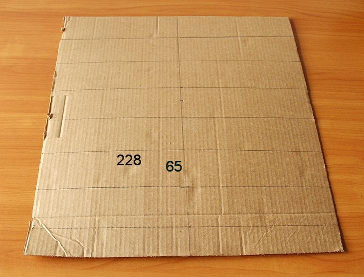 Имитация кирпичной стены из картона