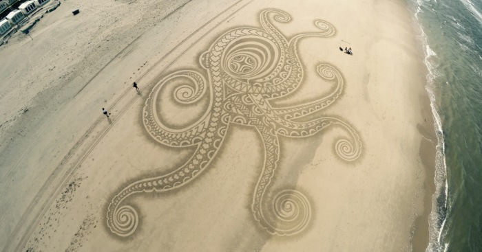 I've Been Drawing On Beaches Since Childhood, And I Still Do