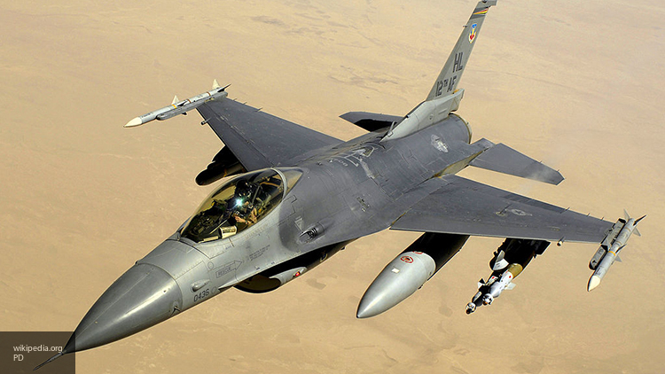 Ирак начнет наносить авиаудары по террористам в Сирии