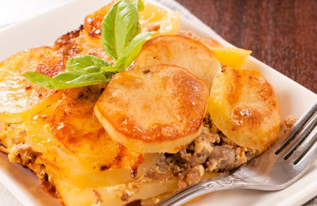 Картошка в духовке с фаршем слоями: ингредиенты, рецепт и время приготовления