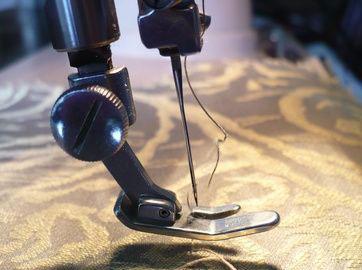 Причины обрыва нитки в швейной строчке