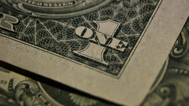 Доллар впервые с ноября упал до 66 рублей