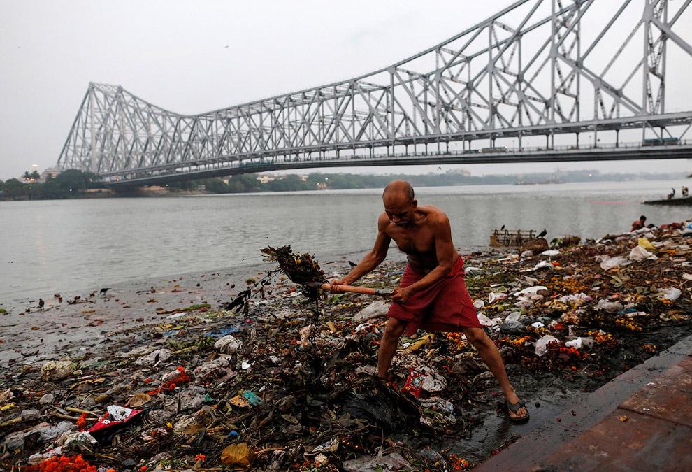 «Убийство» священной реки Ганг
