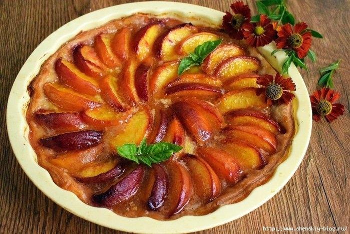 Вкуснейший персиковый пирог на слоеном тесте!