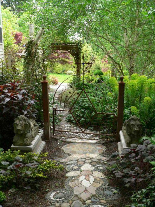 Яркие идеи оформления сада
