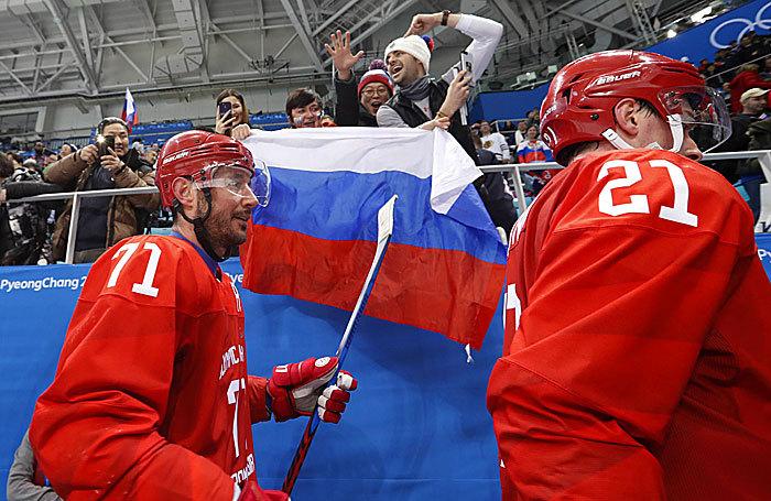 Девятая награда, яркая победа в хоккее и отставание от лидеров — итоги восьмого дня Олимпиады