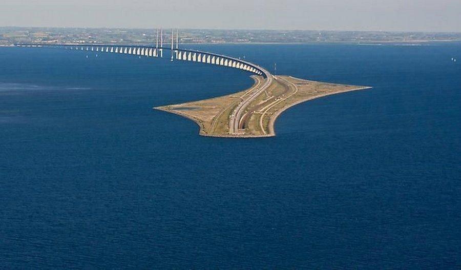 Мост, уходящий под воду