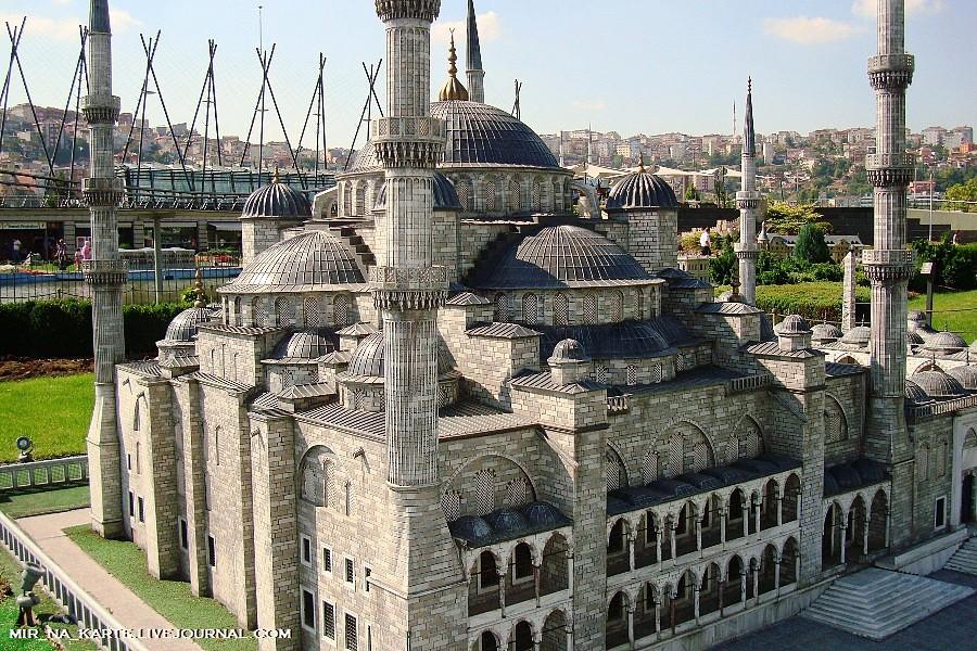 Голубая мечеть ближе