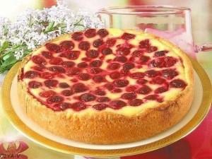 Пирог-сметанник с ягодам…
